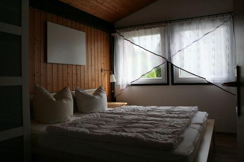 Schlafzimmer mit Doppelbett (1,80 x 2,00)