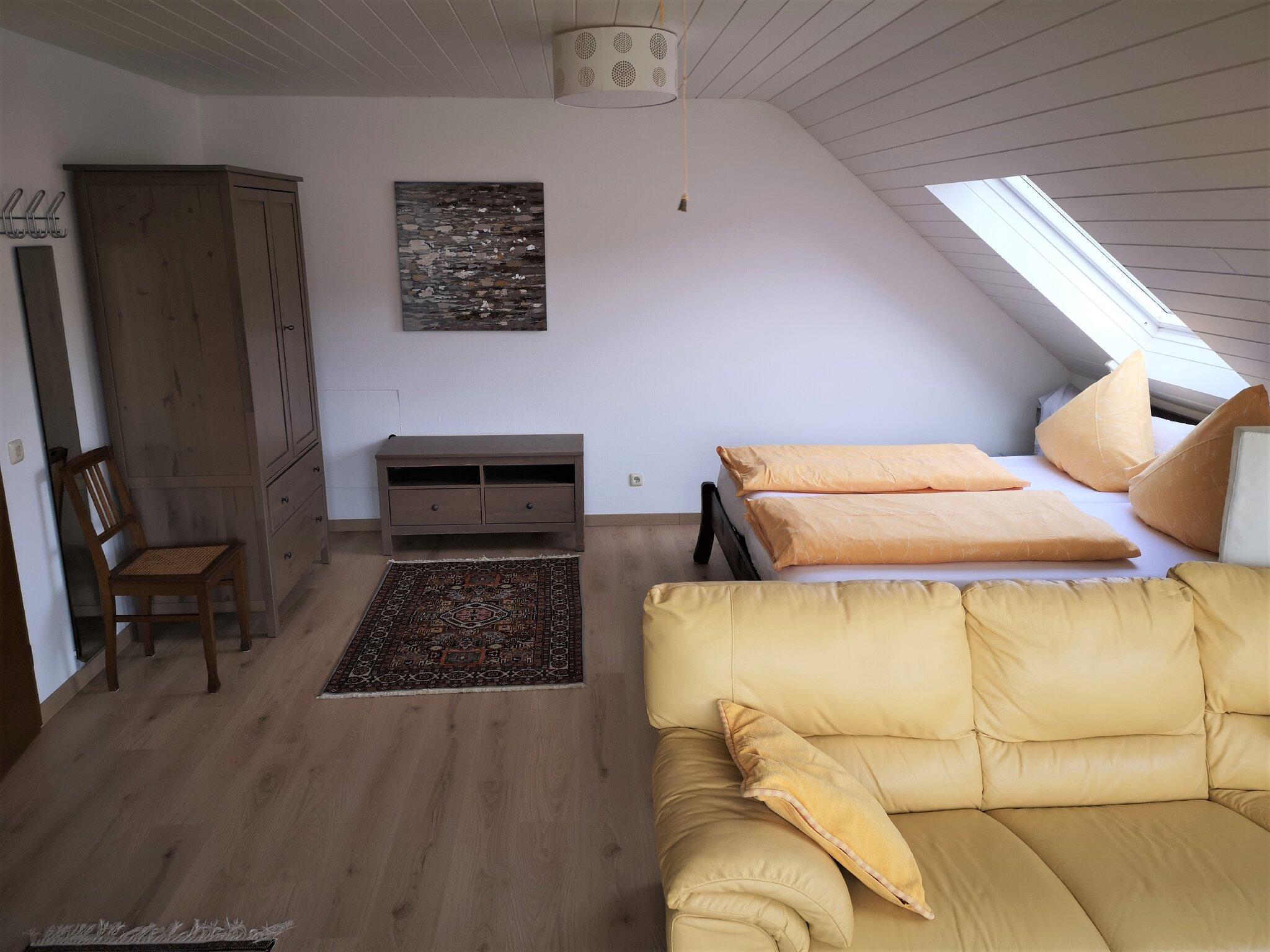 Komplett eingerichtete Wohnküche