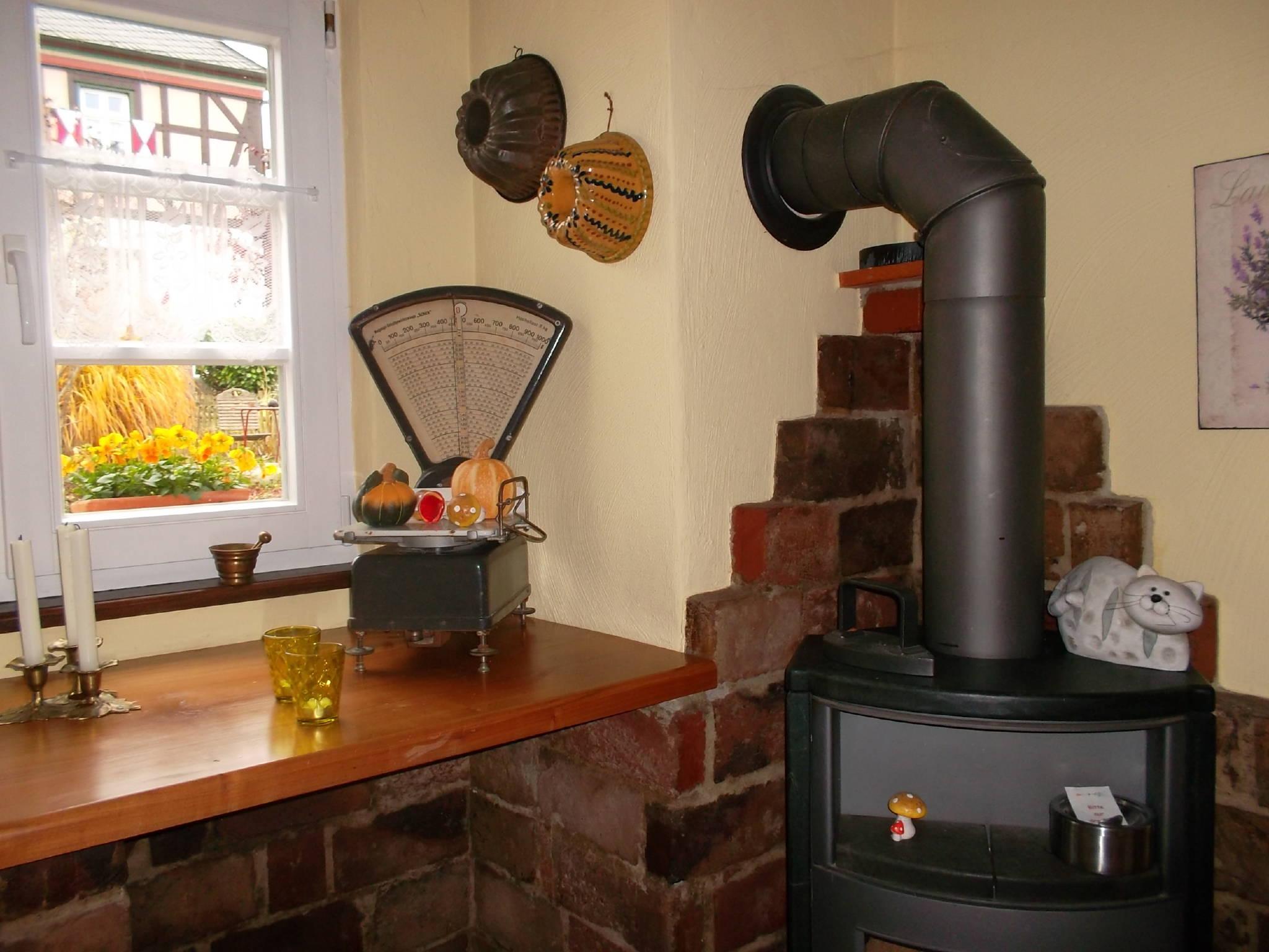 Kaminofen in der Wohnküche