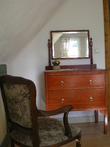 Schlafzimmer 1 (Detail)