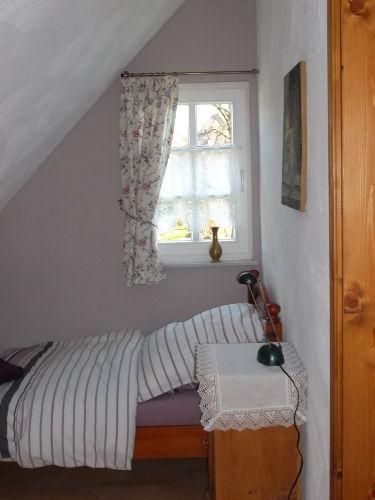 Blick ins Schlafzimmer 2 (Einzelbett)