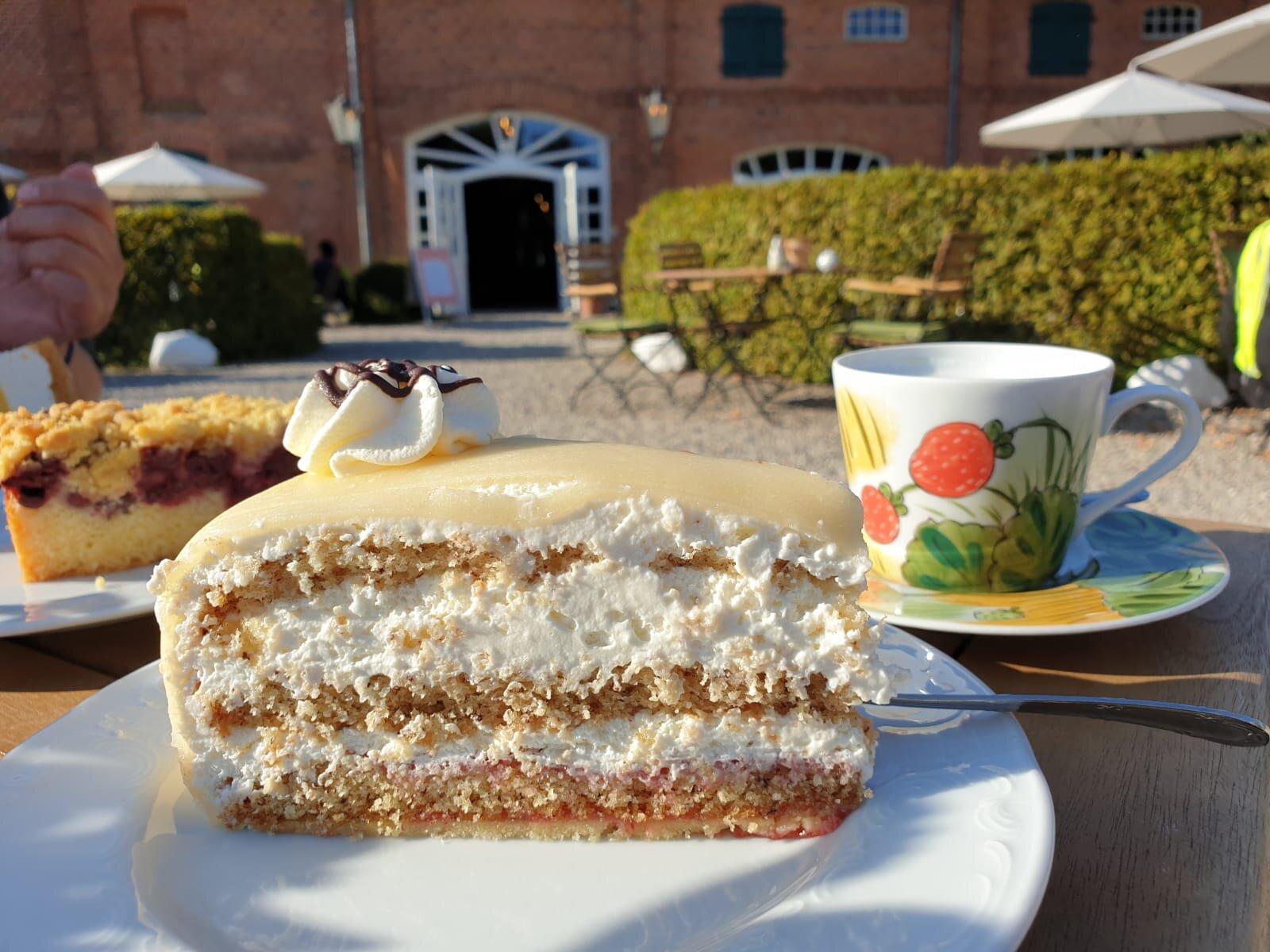Badevergnügen in glasklarem Wasser