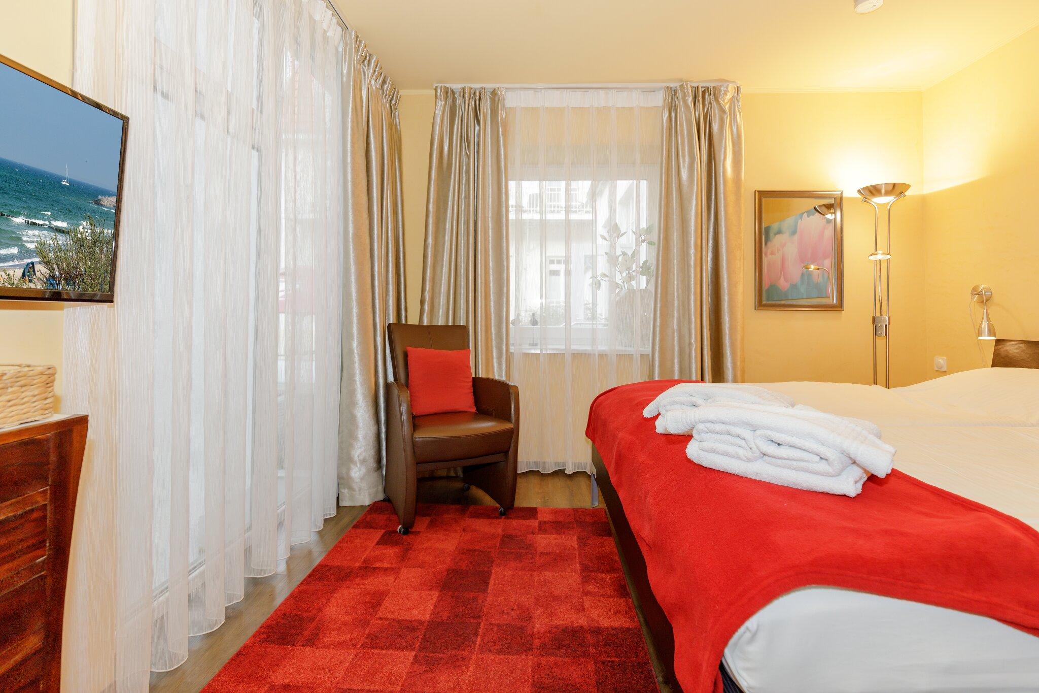 Schlafzimmer - Bett (190 x 200 cm)