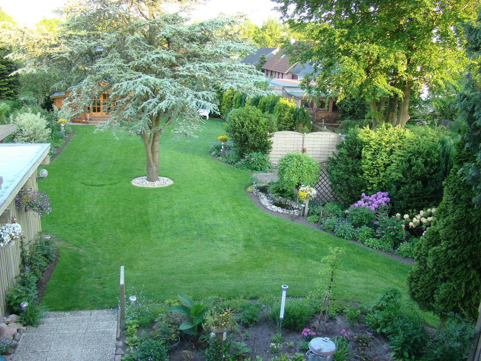 Sicht von der Loggia in den Garten