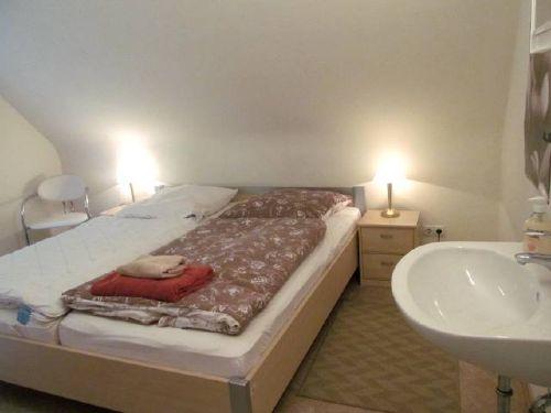 Schlafzimmer 1, Teil 1