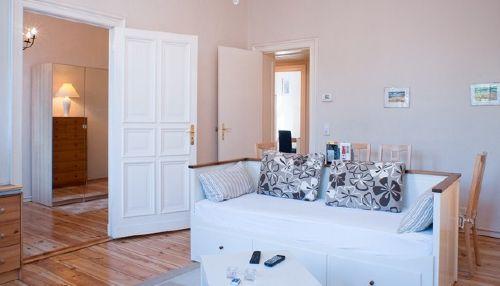 altbauwohnung wohnzimmer:Bilderseite – Altbauwohnung Berlin-Mitte Apartment in Berlin (Mitte