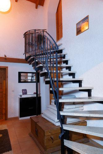 Treppe zur Ferienwohnung DG