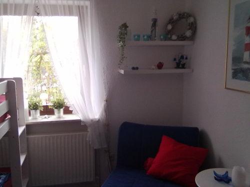 Schlafzimmer 2 mit Sitzecke (Notliege)