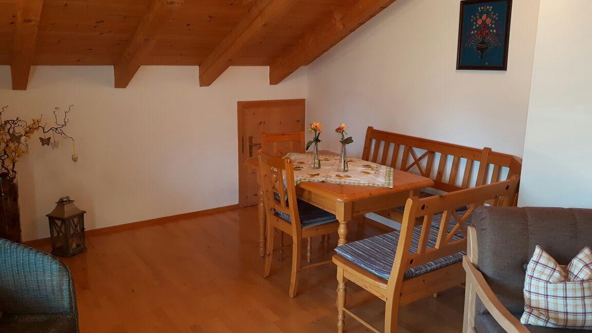 Schlafzimmer (Bett: B 1,90 x L 2,00 m)