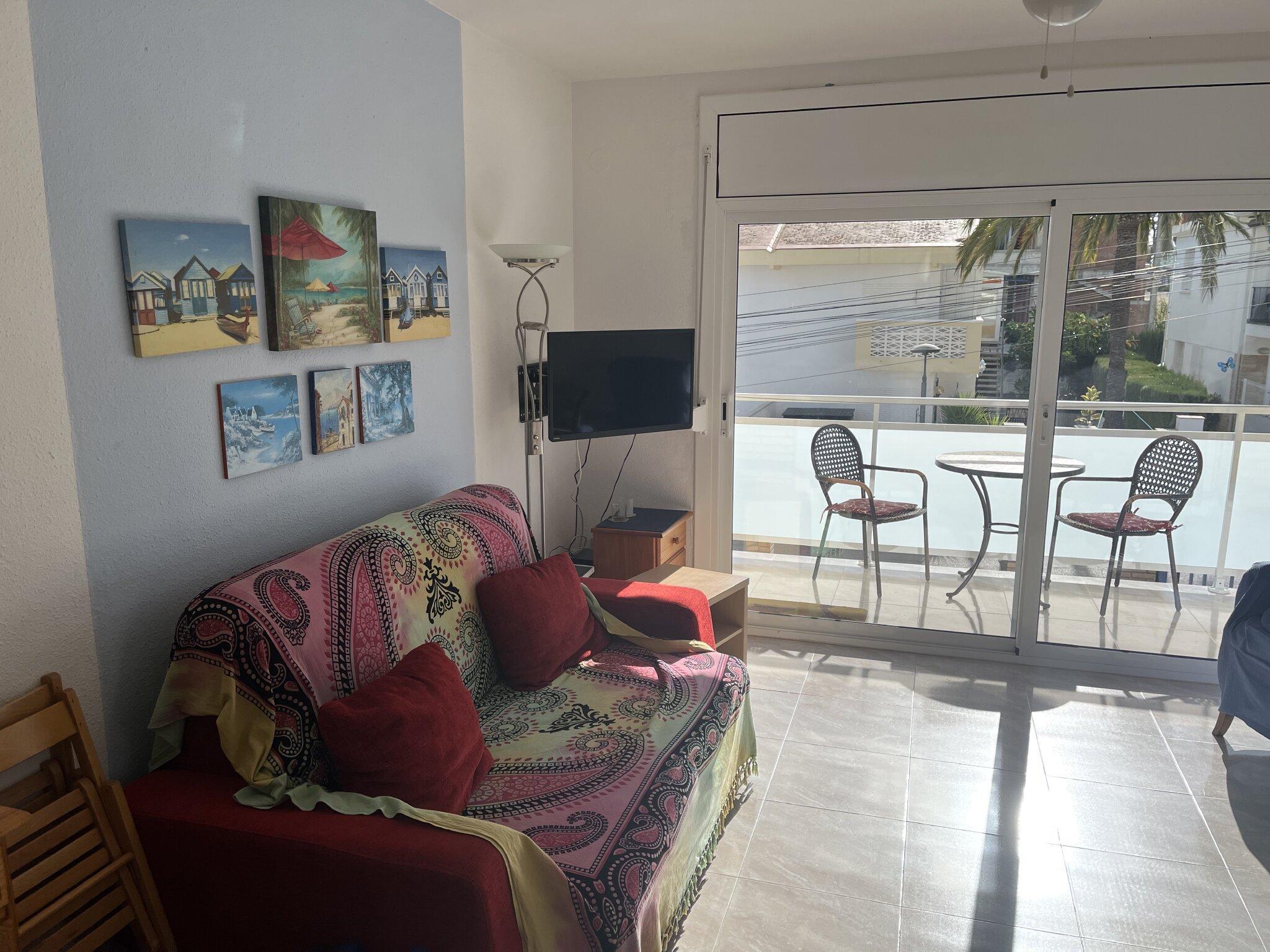 Wohnzimmer und Balkon