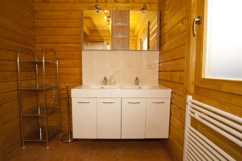 Badezimmer im EG mit 2 Waschpl�tzen