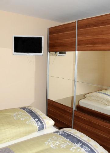 LED TV im Schlafzimmer