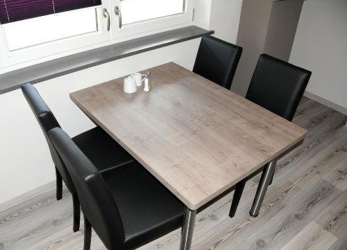 Essplatz (weitere Stühle vorhanden)