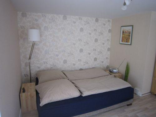 Couch als Bett umgebaut
