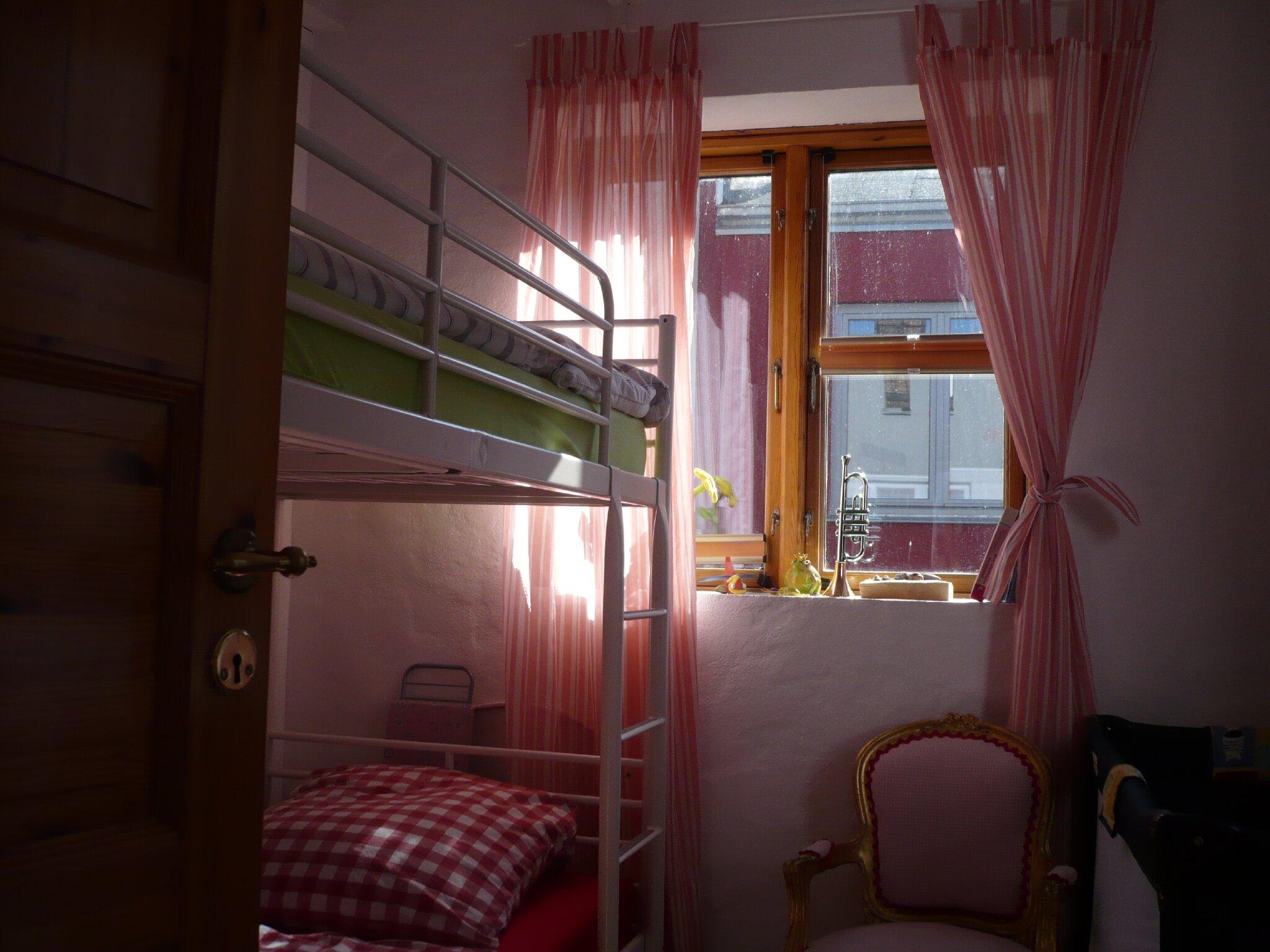 Wohn- & Schlafzimmer , Whg. 1 , I.Og
