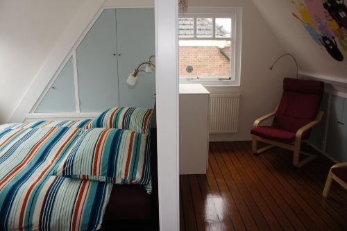 Schlafzimmer mit Vorraum im 1. OG