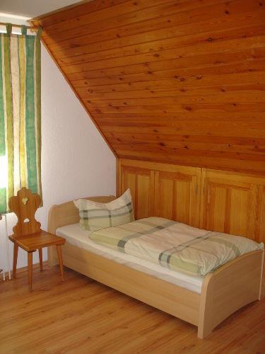 2. Schlafzimmer mit Einzelbetten 90 x 190