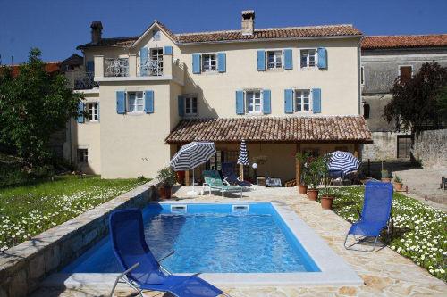 Studio Terra Mirna mit Pool im Garten
