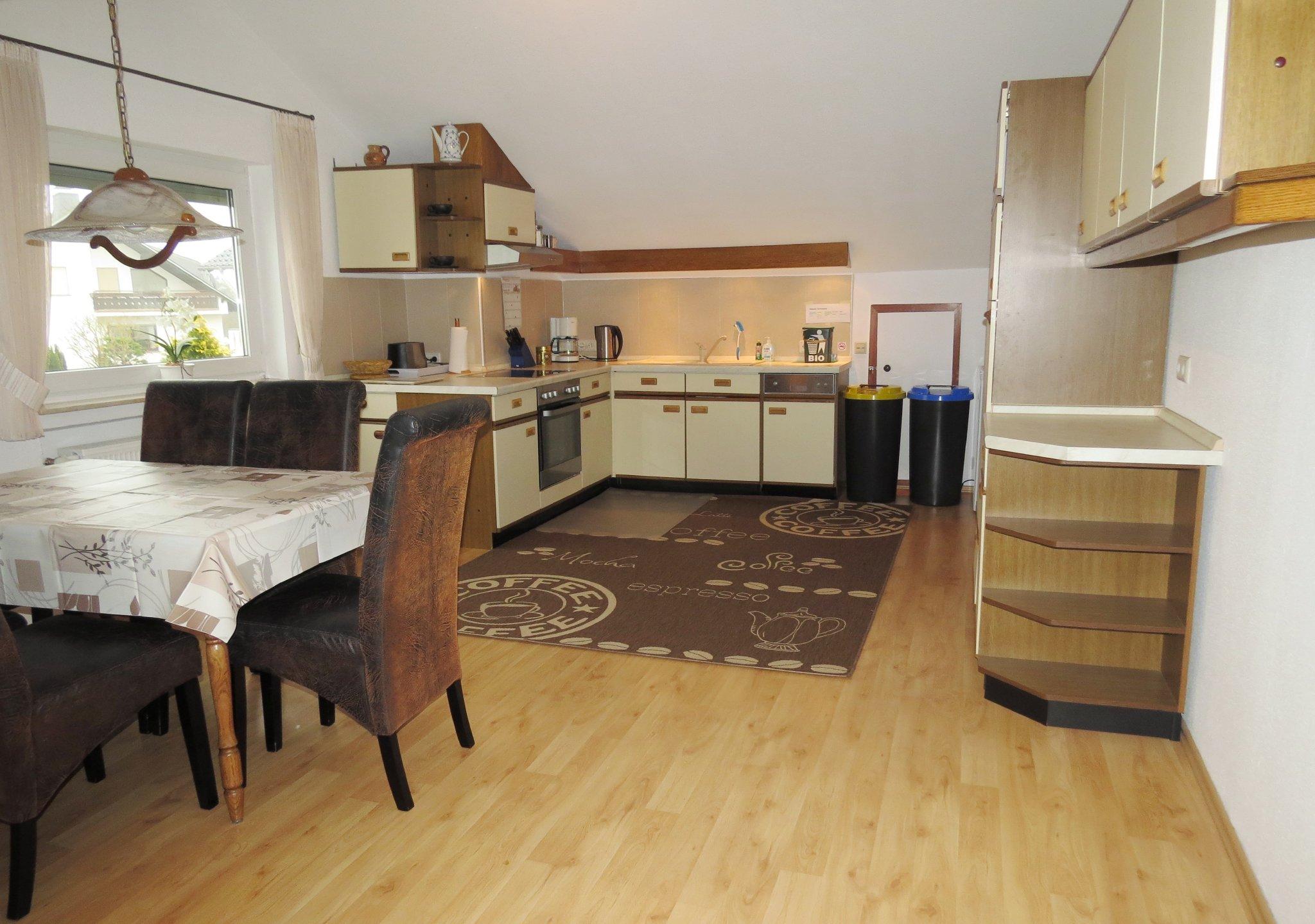 Einzelbett in separatem Schlafzimmer
