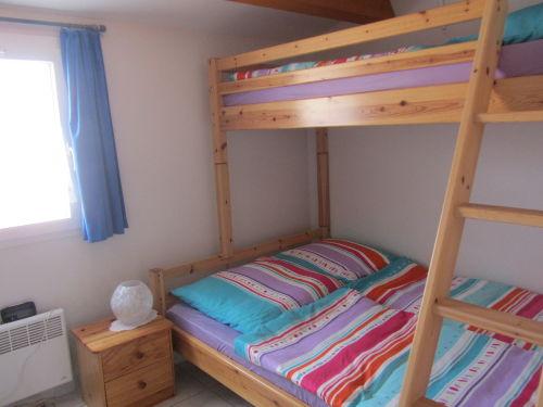 Zimmer mit Hochbett (unten 1,40m breit)