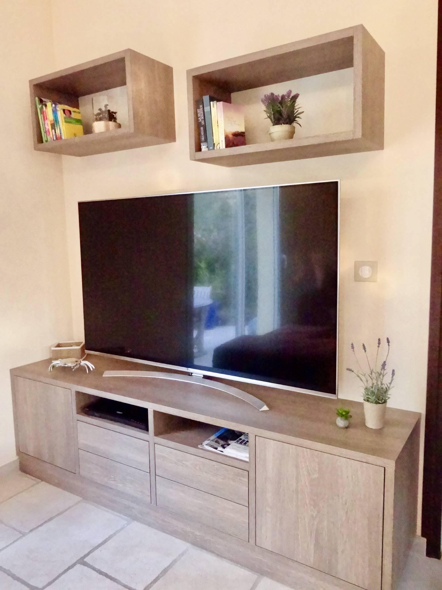 Küche und Teil des Wohnzimmers