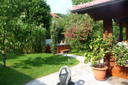 Garten Blick zum Whirlpool