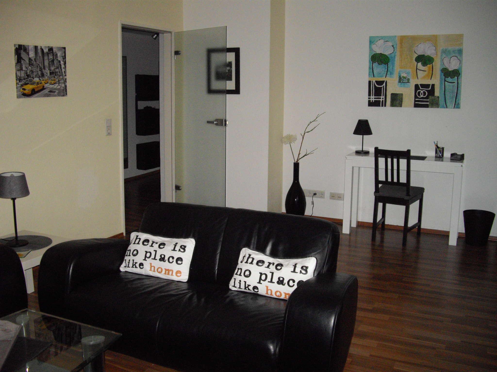 Wohnzimmer 3.