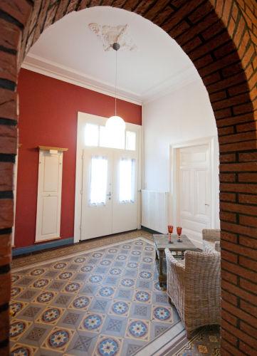 Eingang mit alten Villeroy Boch Fliesen