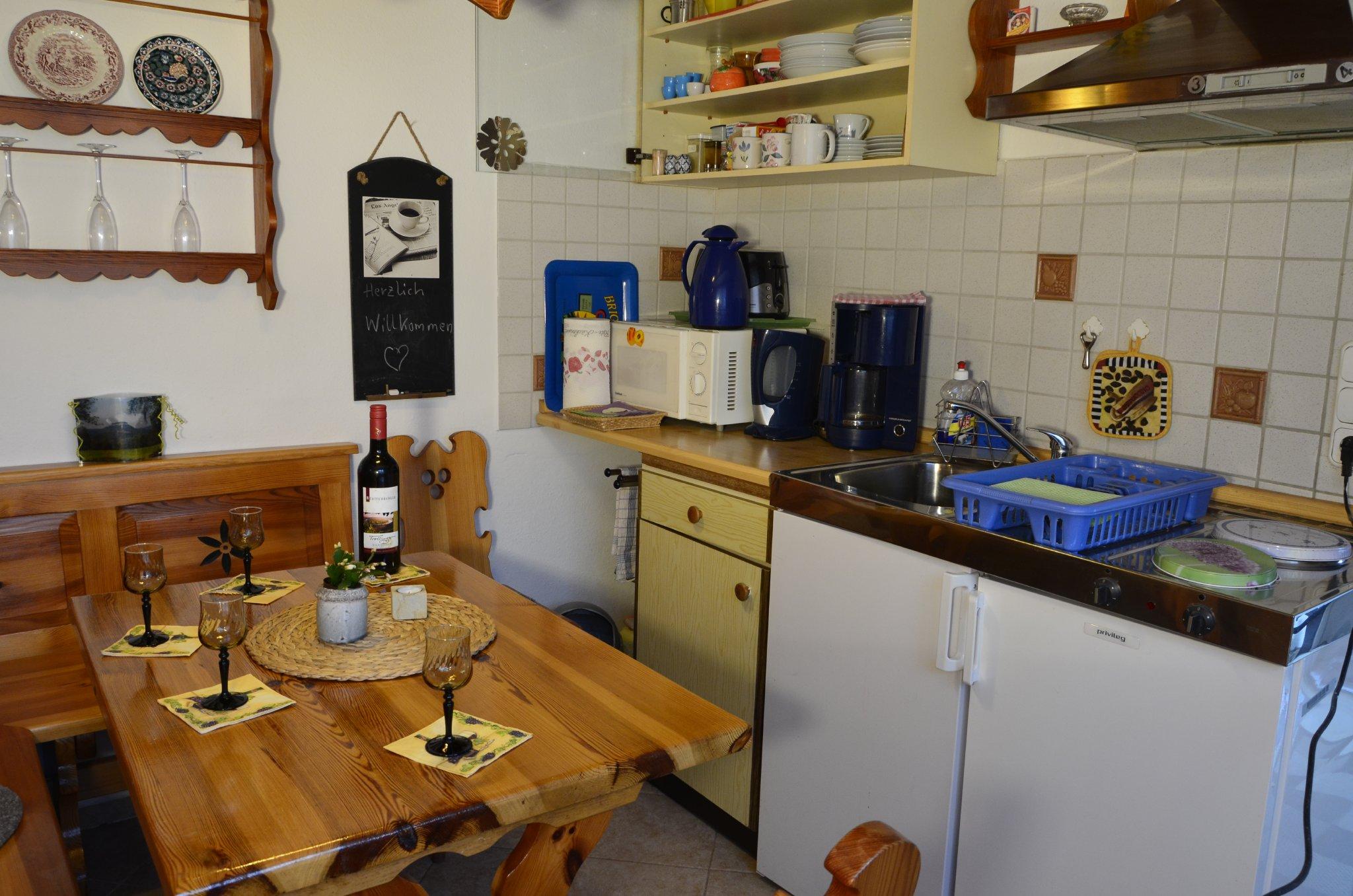Ferienhaus 1 - Essecke mit Küchenzeile