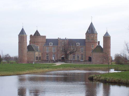 """Kasteel """"Westhove"""" in Oostkapelle"""