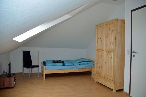 Schlafzimmer im DG mit zwei Einzelbetten