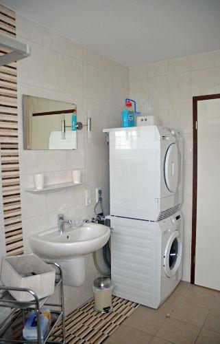 Waschmaschine und Waschtrockner