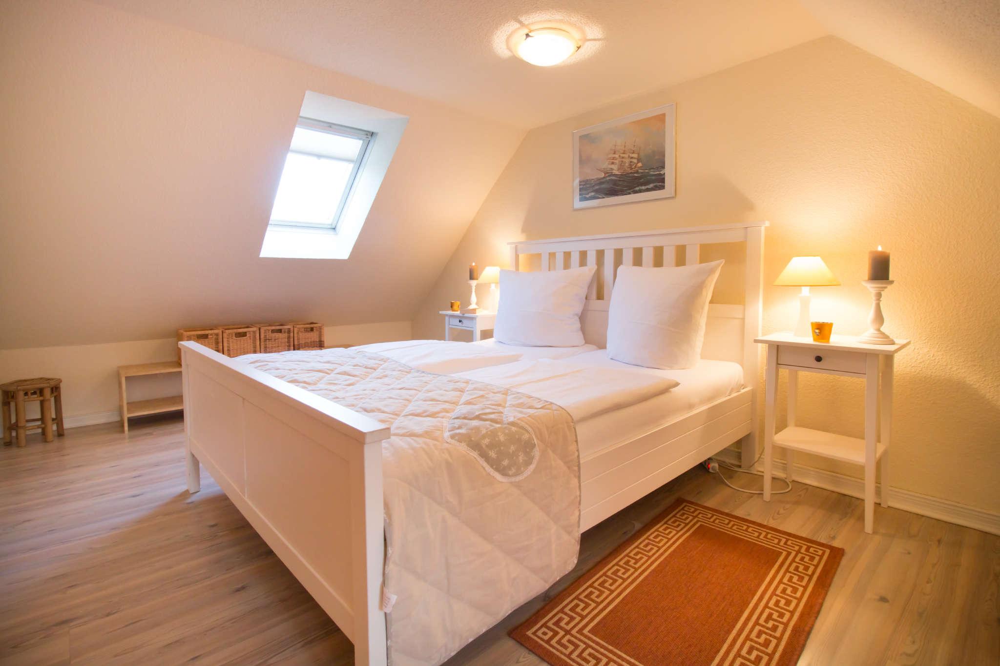 Gemütliches Schlafzimmer im Dachgeschoss