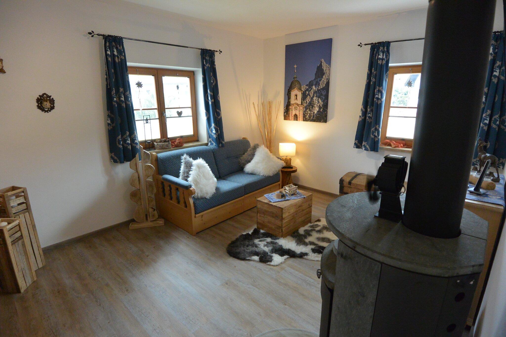 Schlafzimmer -2- mit großen Doppelbett