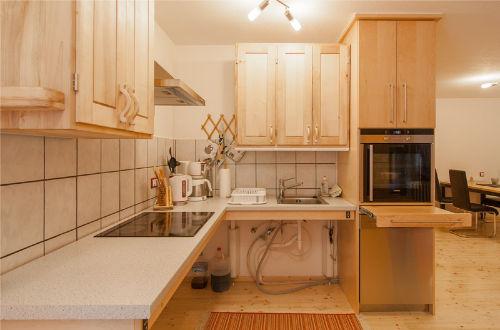 Höhenverstellbare, unterfahrbare Küche