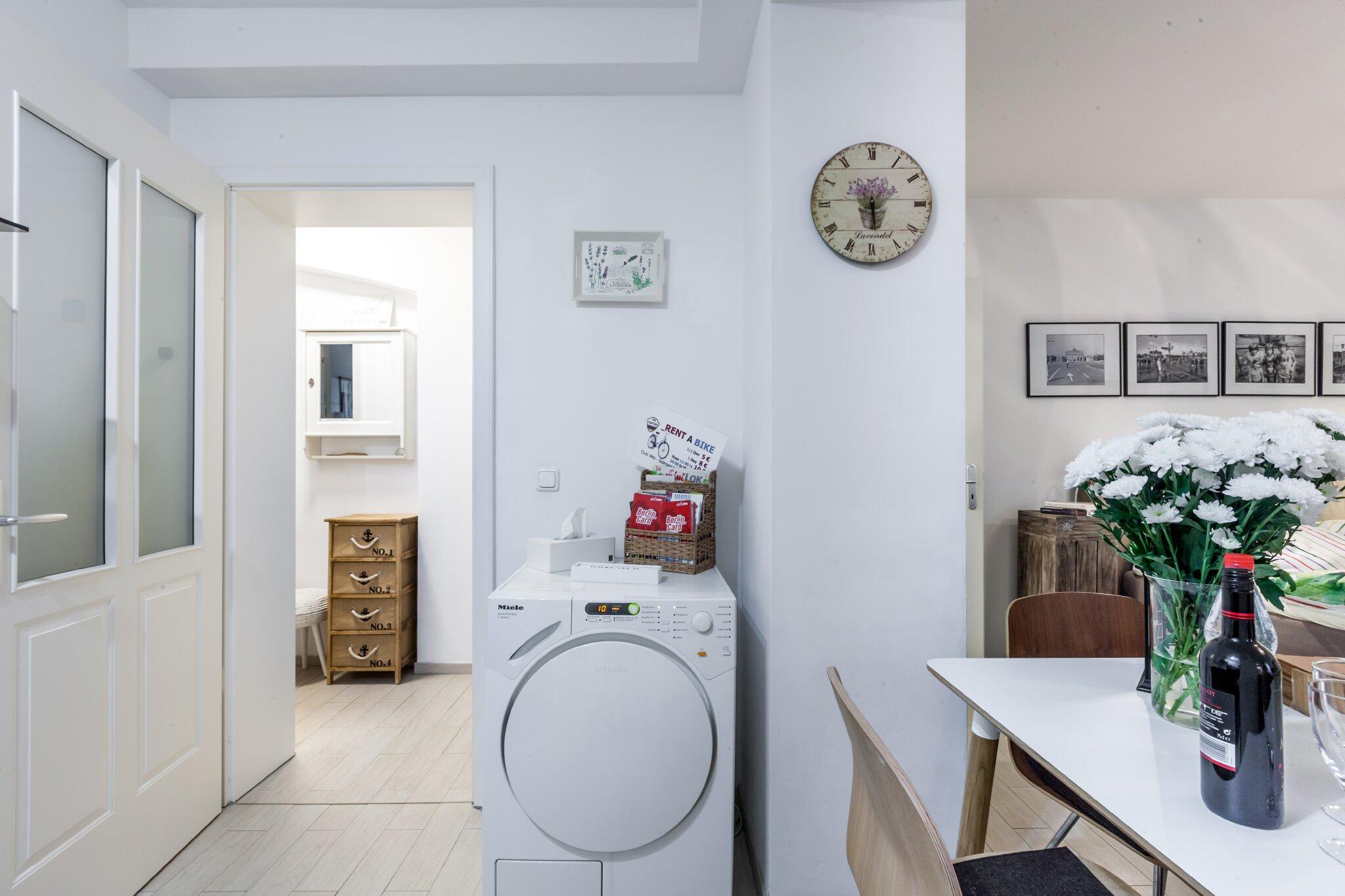 Küchenbereich mit EBK