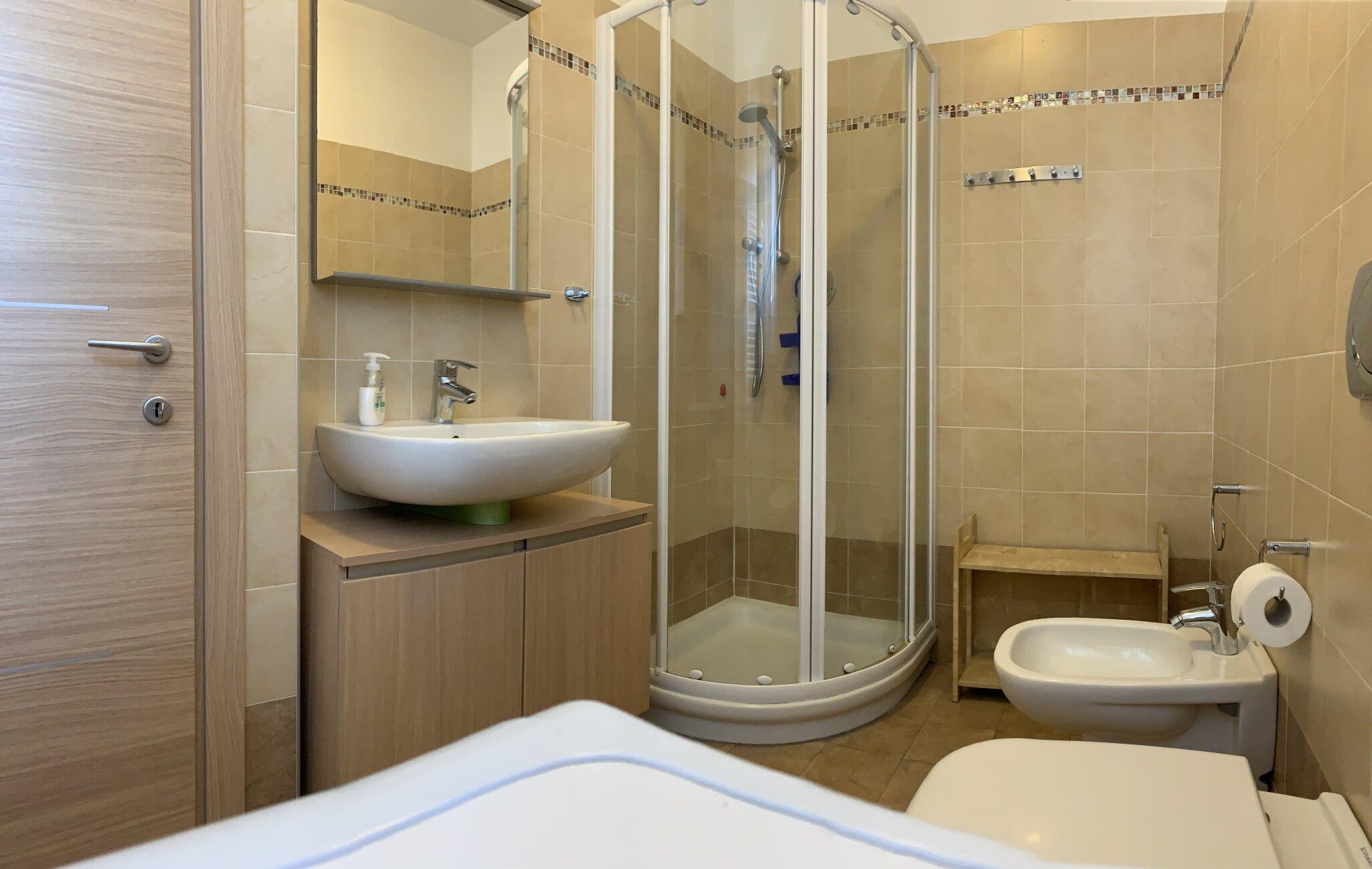 Schlafzimmer 1 mit Einzel- o. Doppelbett