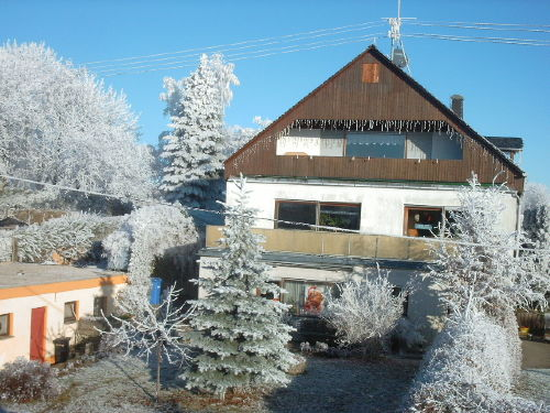 Die Ferienwohnung ist im Dachgeschoss