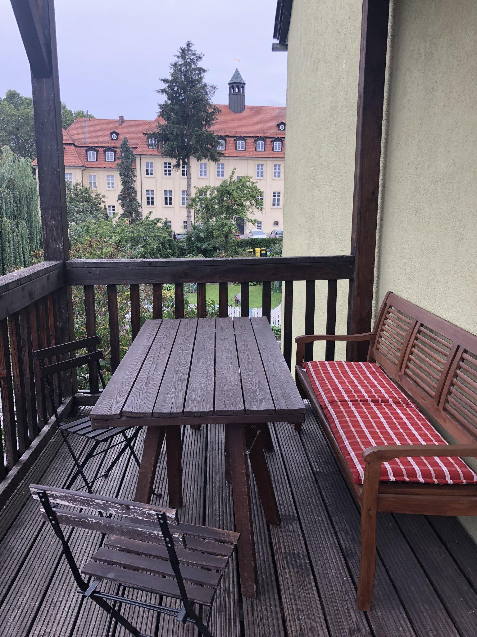 Wohnküche mit Balkon (8 qm)
