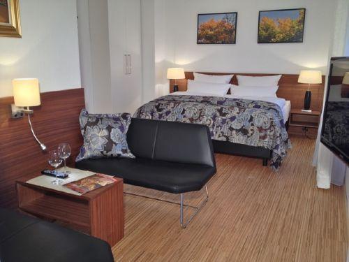 Wohn-/Schlafzimmer 1