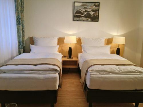 Zimmer 2 mit Einzelbetten