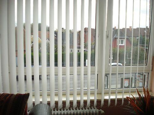 Blick aus Fenster - Busstop vor der Tür