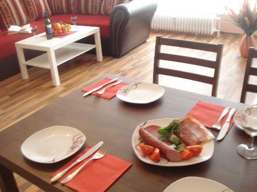 Ess-Tisch
