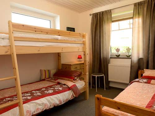 2. Schlafzimmer mit Hoch- und Einzelbett