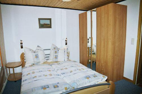 Elternschlafzimmer mit franz. Bett