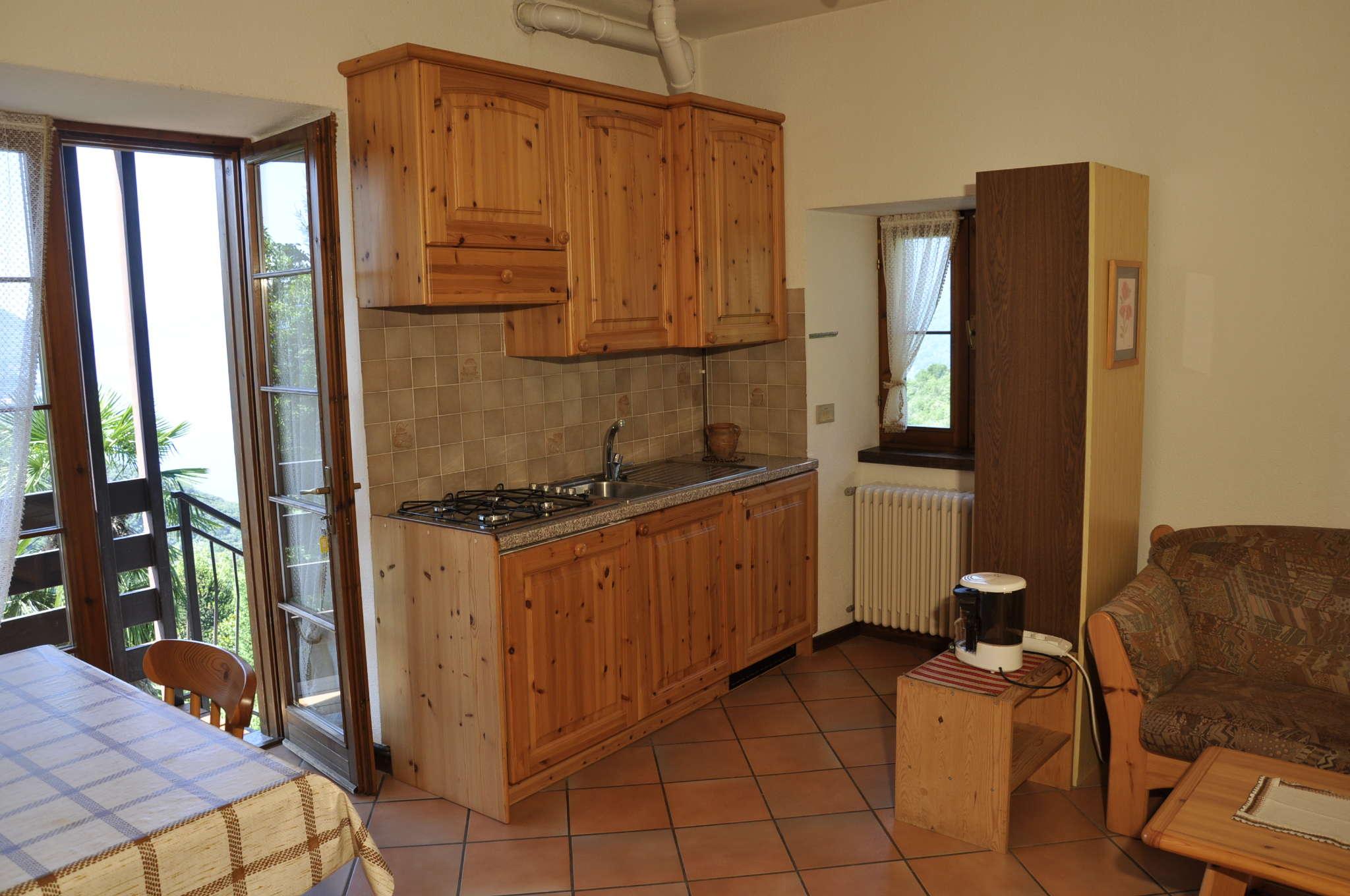 Küche mit Blick nach draussen