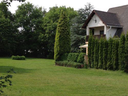 Grundstück/Garten /Fewo 1. OG