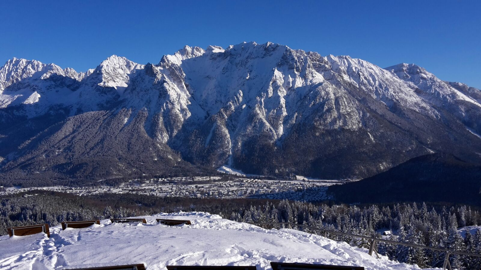 Blick vom Kranzberggipfel auf Karwendel