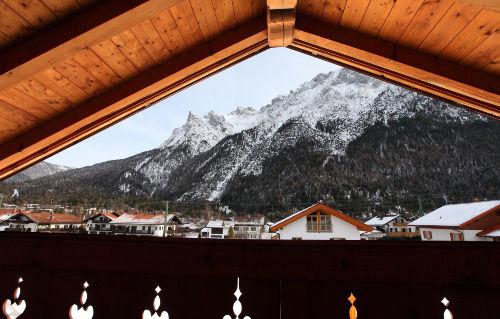Blick vom Balkon zum Karwendel