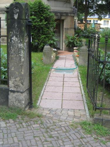 Zugang von der Straße